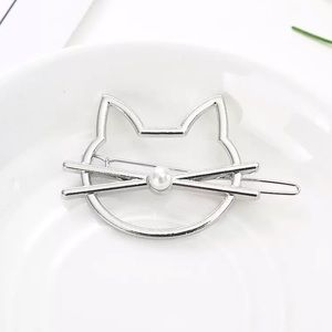 🎉 New Silver Plated Cat Face Hair Clip